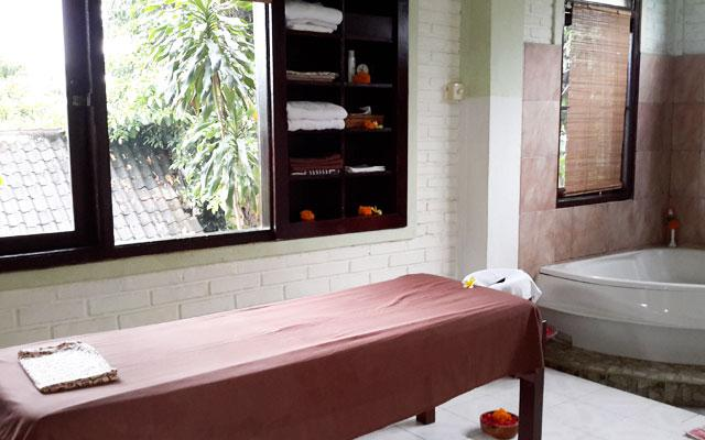 Ubud Spa - Bodyworks Centre : Bath Tub